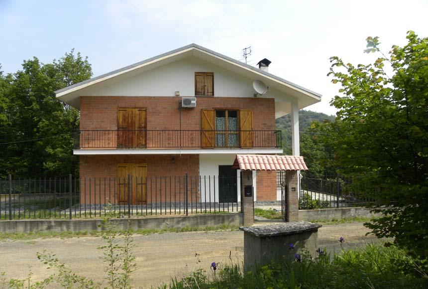 Villa / House for Sale to Cartosio