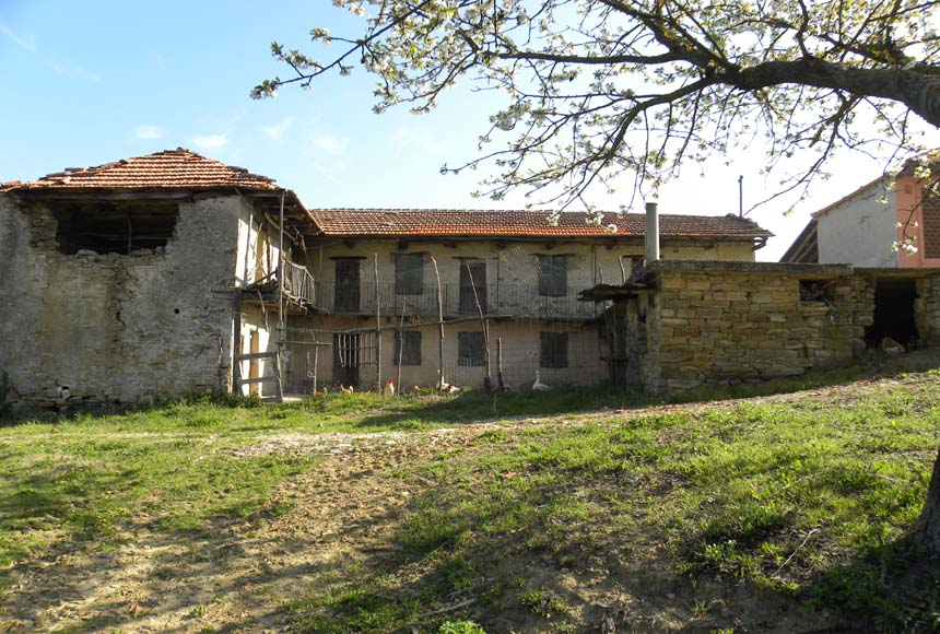 Country House (rustic) for Sale to Bergolo