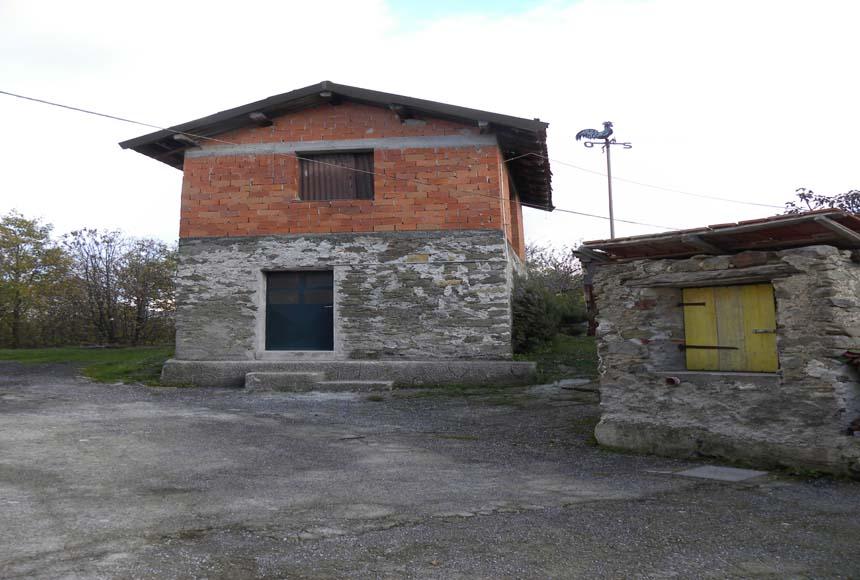 Casa Rustica in Vendita a Giusvalla