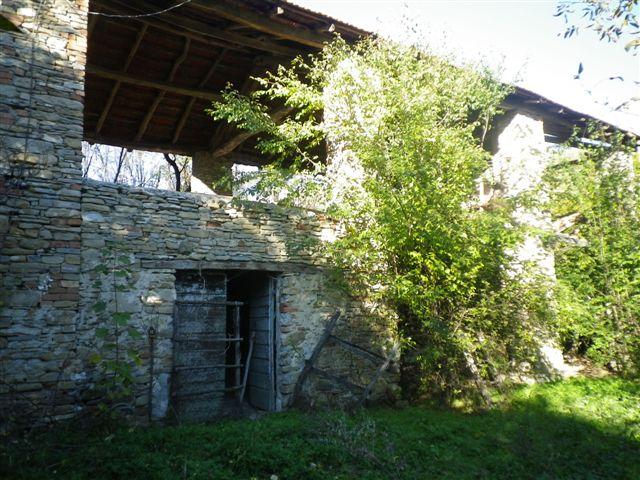 Casa Rustica - Semindipendente in Vendita a Montechiaro d'Acqui
