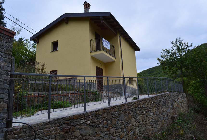 Villa / Villetta in Vendita a Mallare