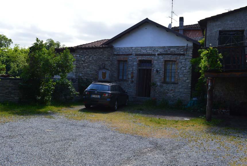 Casa - Semindipendente in Vendita a Mombaldone
