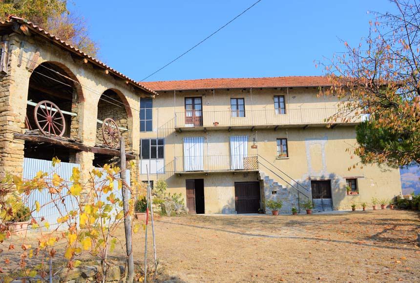 Casa in Vendita a Rocchetta Belbo