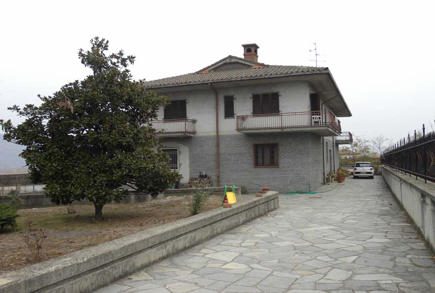Casa in Vendita a Lesegno