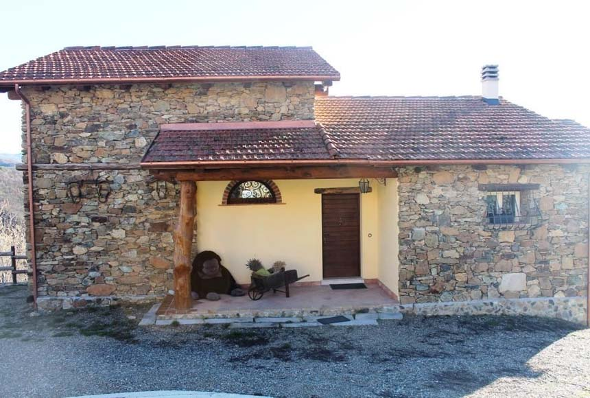 Country House (rustic) for Sale to Ponzone