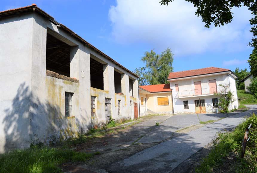 Bauernhof in Kauf bis Perletto