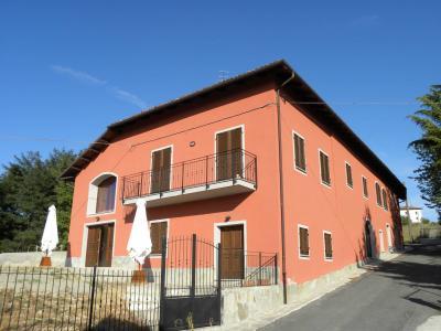 Villa / Villetta in Vendita a Mombaldone