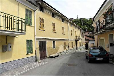 Villa Padronale - Semindipendente in Vendita a Dego