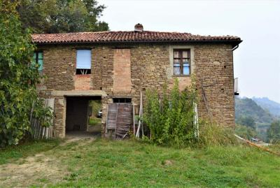 Country House (rustic) for Sale to Camo