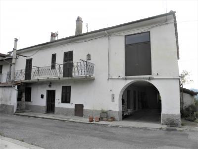 Cascina / Podere - Semindipendente in Vendita a Spigno Monferrato