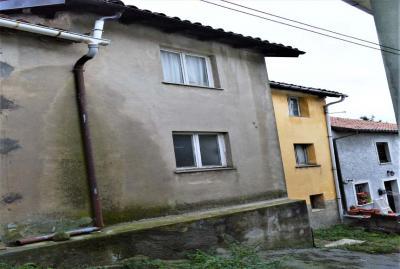 Casa Rustica - Semindipendente in Vendita a Mallare