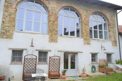 Villa / House for Sale to Dego