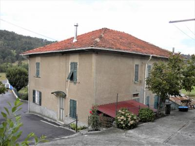 Casa Rustica - Semindipendente in Vendita a Giusvalla