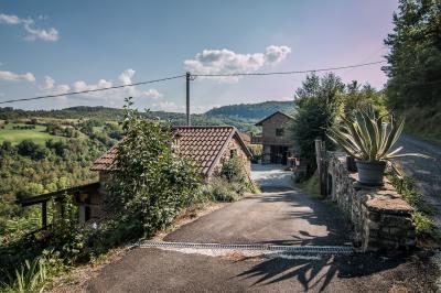 Cascina / Podere in Vendita a Castelletto Uzzone