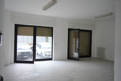 Commercial Room / Store for Rent to Cairo Montenotte