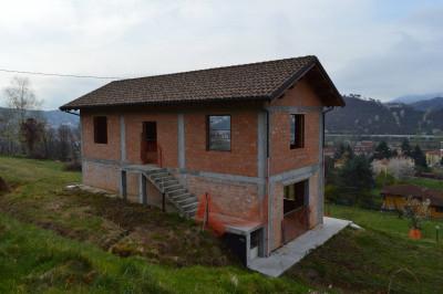 Casa Rustica in Vendita a Carcare