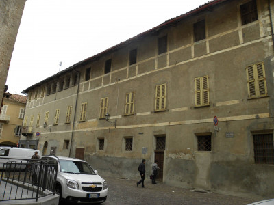 Mansion / Manor House for Sale to Carrù