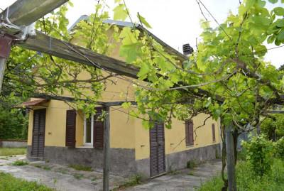 Casa Rustica in Vendita a Cairo Montenotte