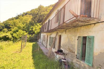 Casa Rustica in Vendita a Canelli