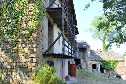 Casa Rustica in Vendita a Mombarcaro