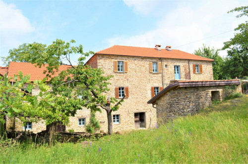 Country House (rustic) - Semi-detached for Sale to Roccaverano