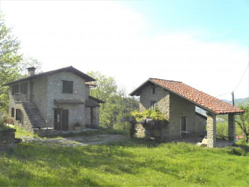 Villa / House for Sale to Monastero Bormida