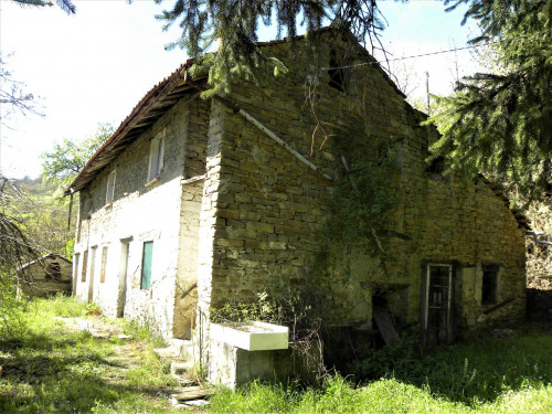 Country House (rustic) for Sale to Castelletto d'Erro