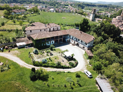 Farmhouse / Estate for Sale to Ceva