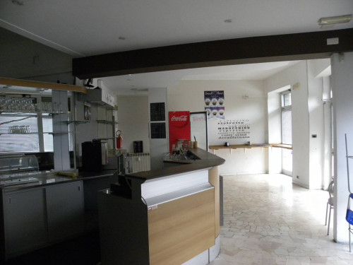 Commercial Room / Store for Rent/Sale to Cairo Montenotte