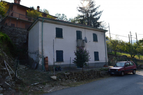 Casa in Vendita a Castelletto Uzzone