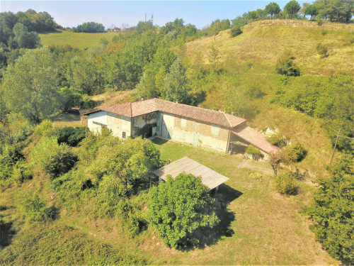 Country House (rustic) for Sale to Loazzolo
