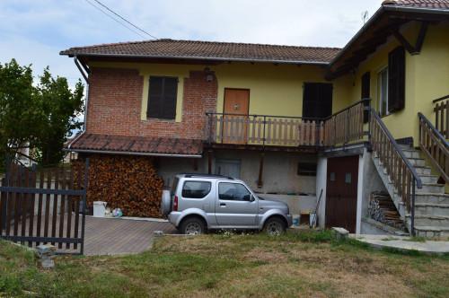 Villa / Villetta in Vendita a Dego