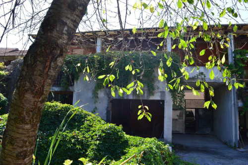 Casa - Semindipendente in Vendita a Gorzegno