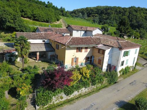 Casa Rustica - Semindipendente in Vendita a Cossano Belbo