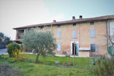 Casa - Semindipendente in Vendita a Costigliole d'Asti