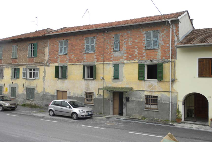Casa Rustica - Semindipendente in Vendita a Piana Crixia