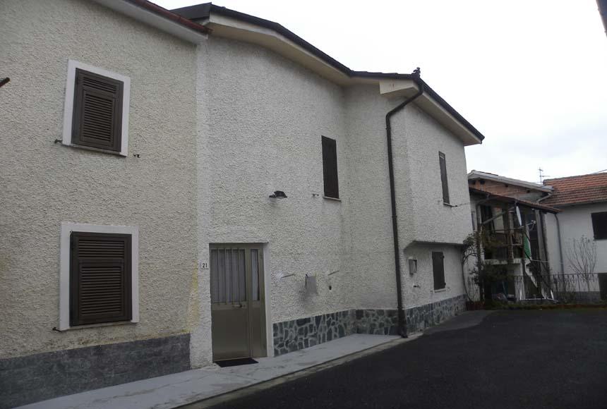 Casa - Semindipendente in Vendita a Piana Crixia