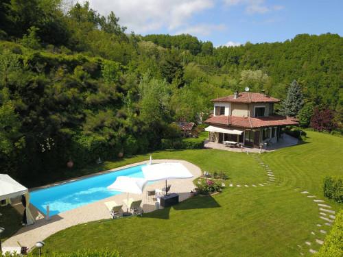 Villa / Villetta in Vendita a Loazzolo
