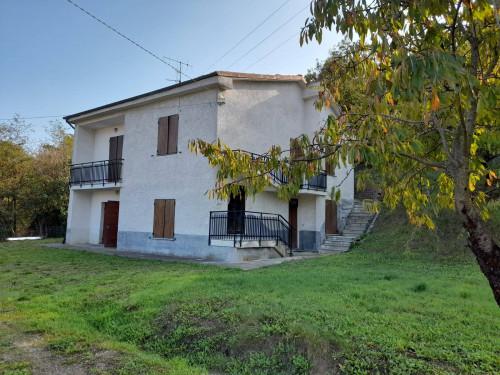 Villa / Villetta in Vendita a Cairo Montenotte