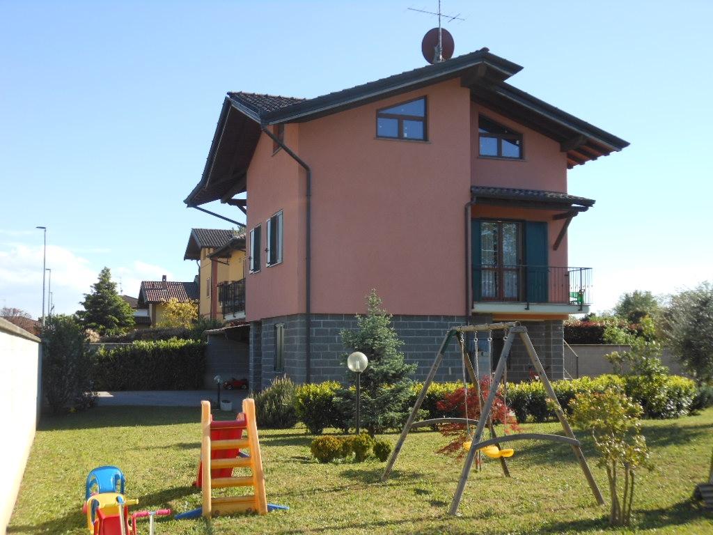 Villa in vendita a Corbetta, 3 locali, zona Località: Cerello, prezzo € 345.000 | PortaleAgenzieImmobiliari.it
