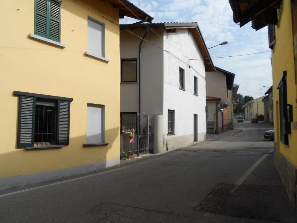 Negozio / Locale in affitto a Bernate Ticino, 9999 locali, prezzo € 750 | PortaleAgenzieImmobiliari.it