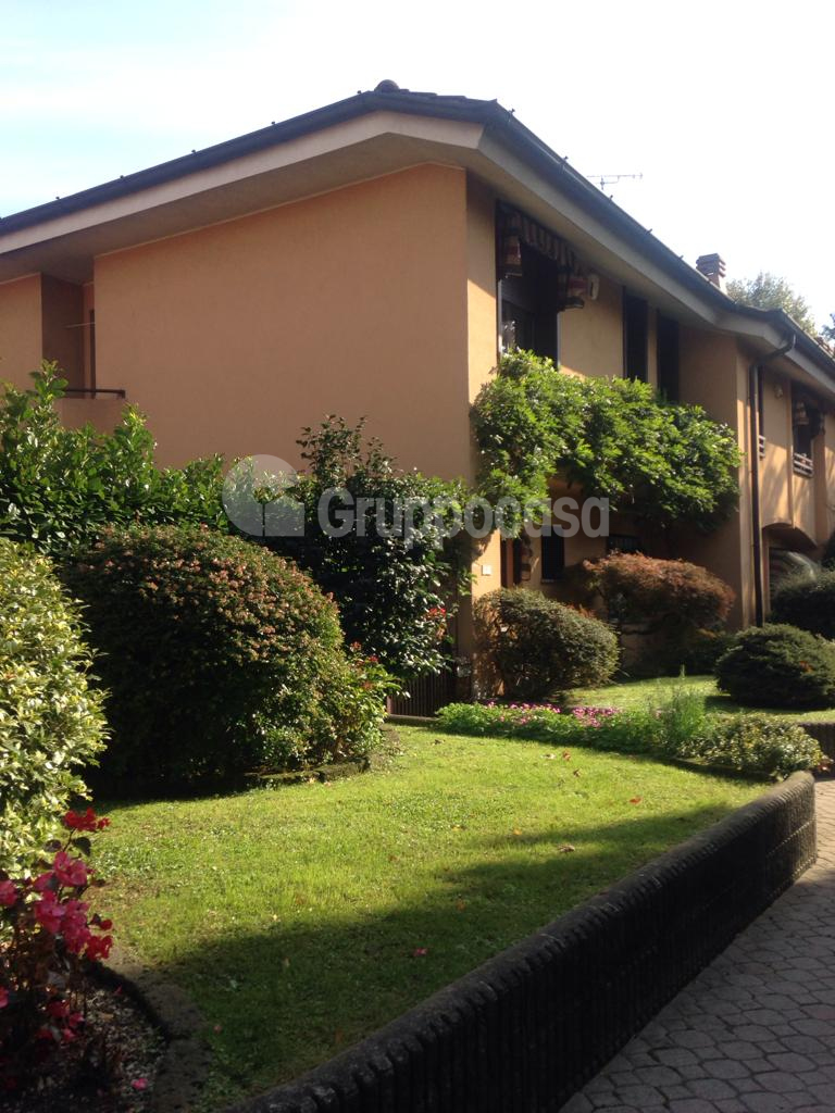 Villa a Schiera in vendita a Arese, 5 locali, prezzo € 550.000   CambioCasa.it