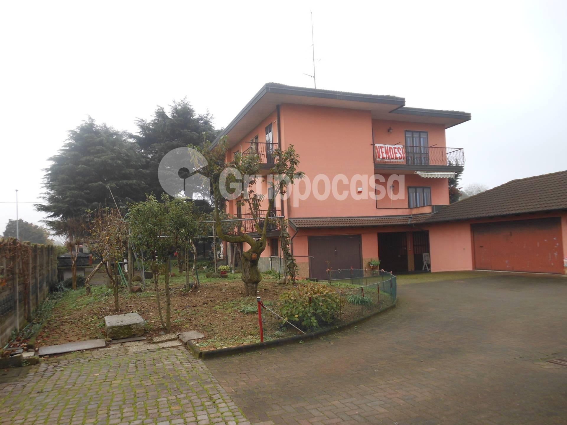 Villa Bifamiliare in vendita a Magenta, 8 locali, prezzo € 450.000 | PortaleAgenzieImmobiliari.it