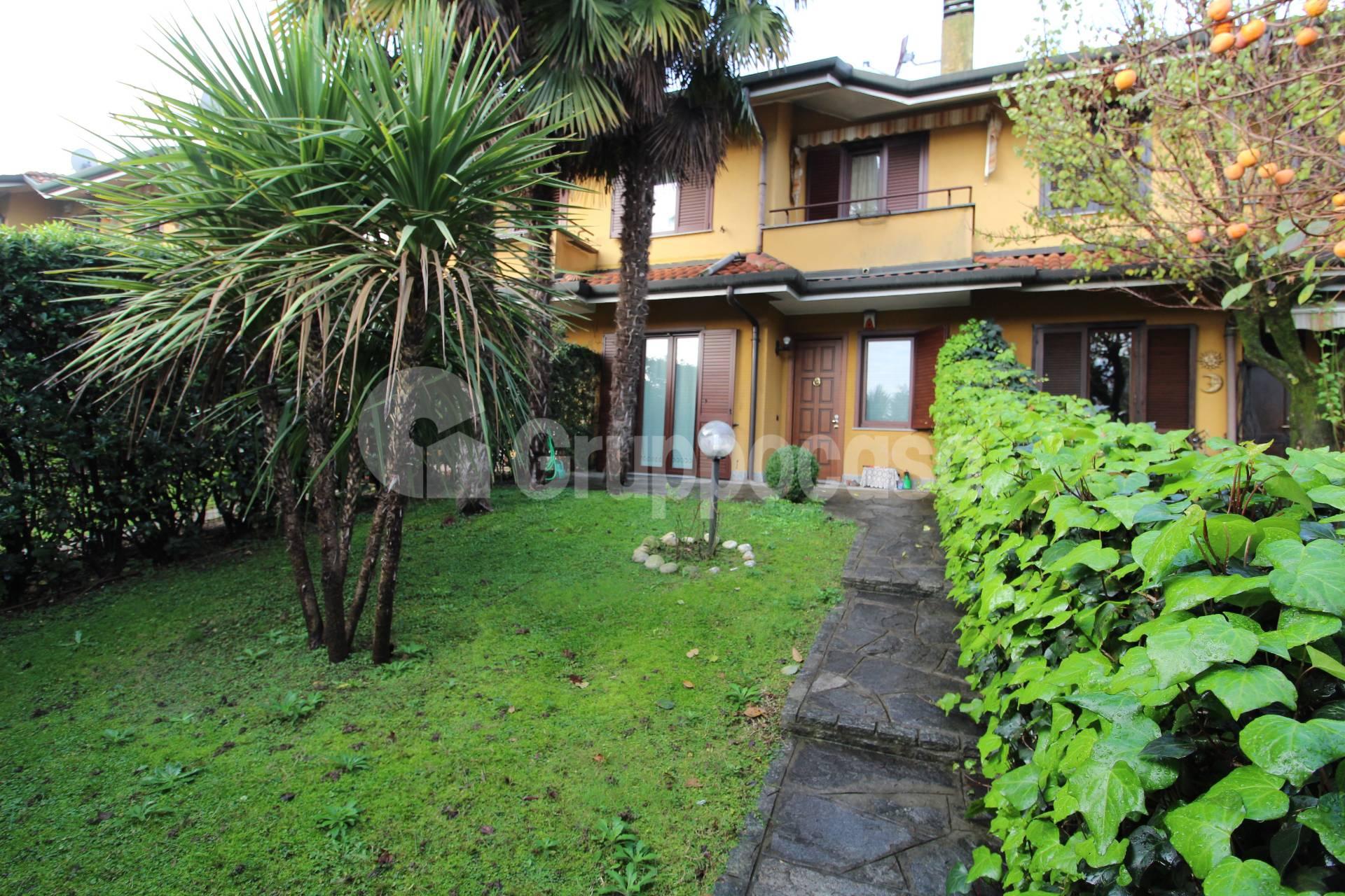 Villa a Schiera in vendita a Arese, 4 locali, prezzo € 350.000   CambioCasa.it