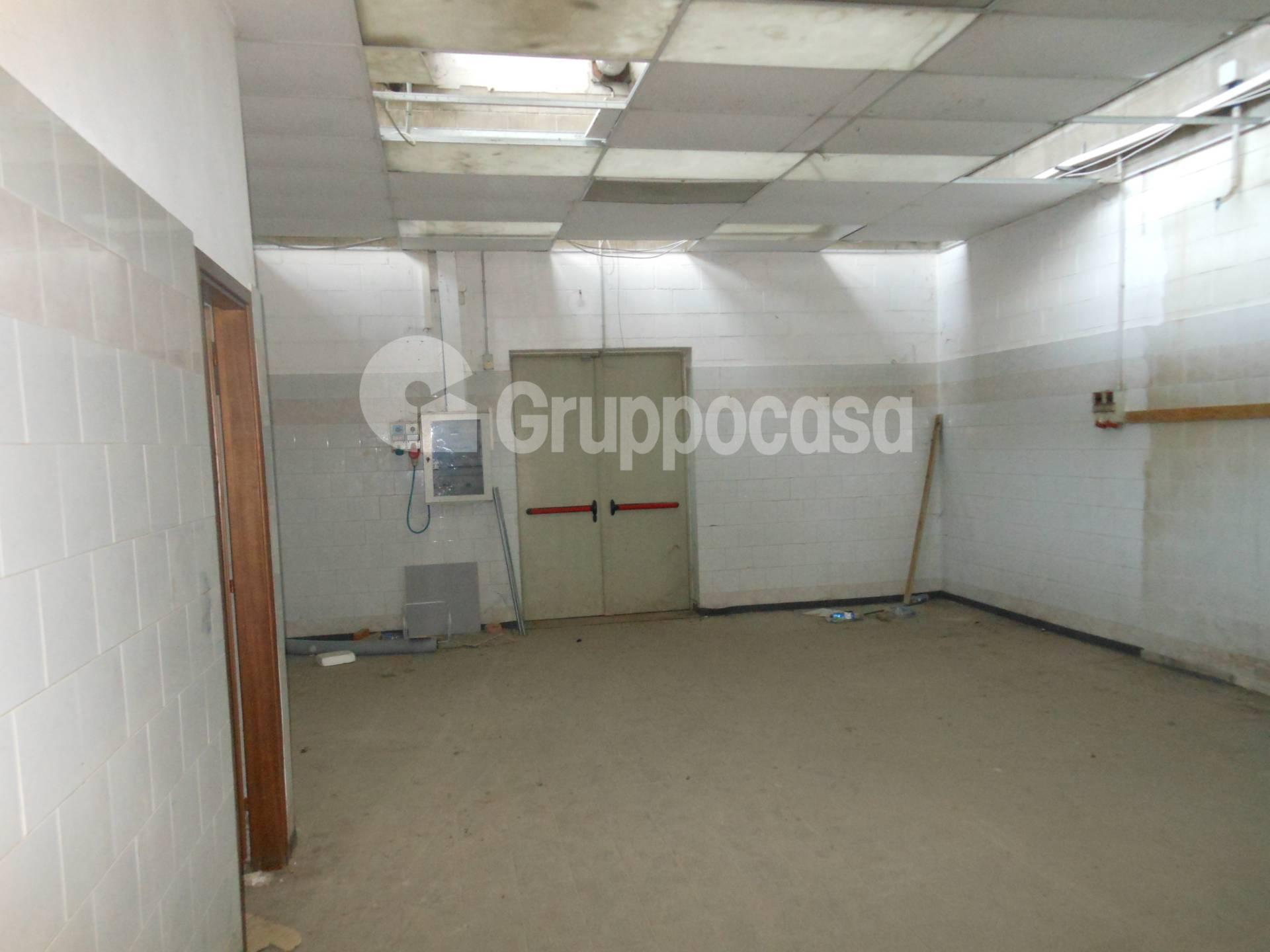 Negozio / Locale in affitto a Corbetta, 9999 locali, prezzo € 1.700 | PortaleAgenzieImmobiliari.it