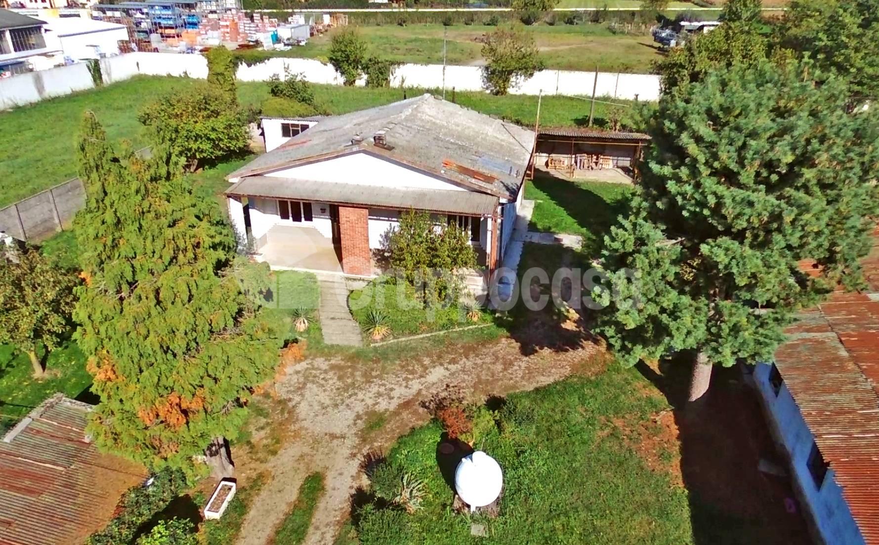 Villa in vendita a Abbiategrasso, 3 locali, zona adina, prezzo € 260.000 | PortaleAgenzieImmobiliari.it