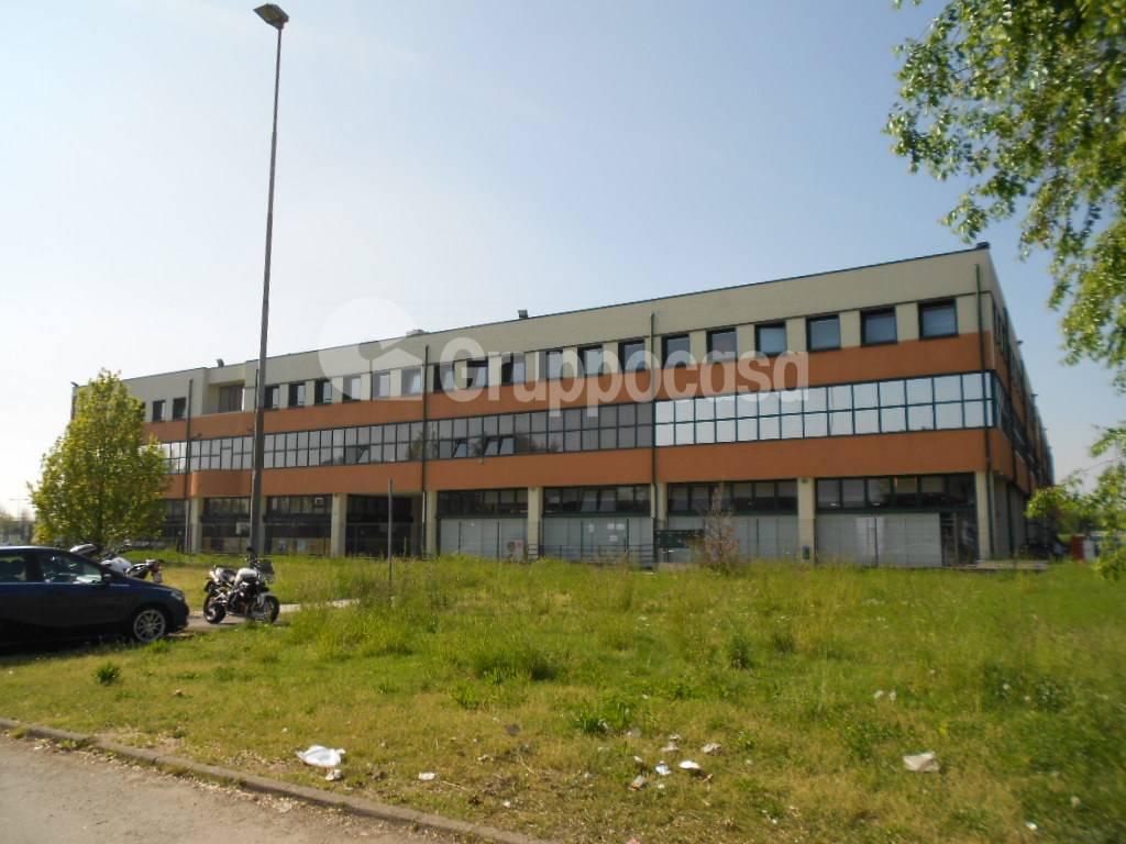 Ufficio / Studio in affitto a Magenta, 9999 locali, prezzo € 1.666 | PortaleAgenzieImmobiliari.it