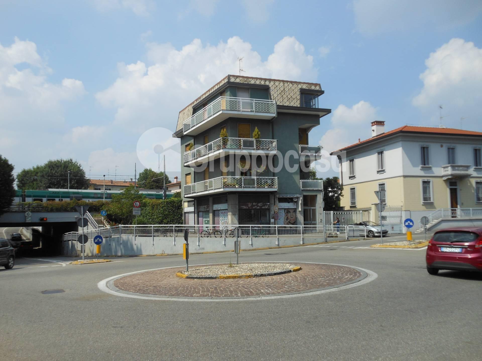 Negozio / Locale in affitto a Magenta, 9999 locali, prezzo € 1.000 | PortaleAgenzieImmobiliari.it