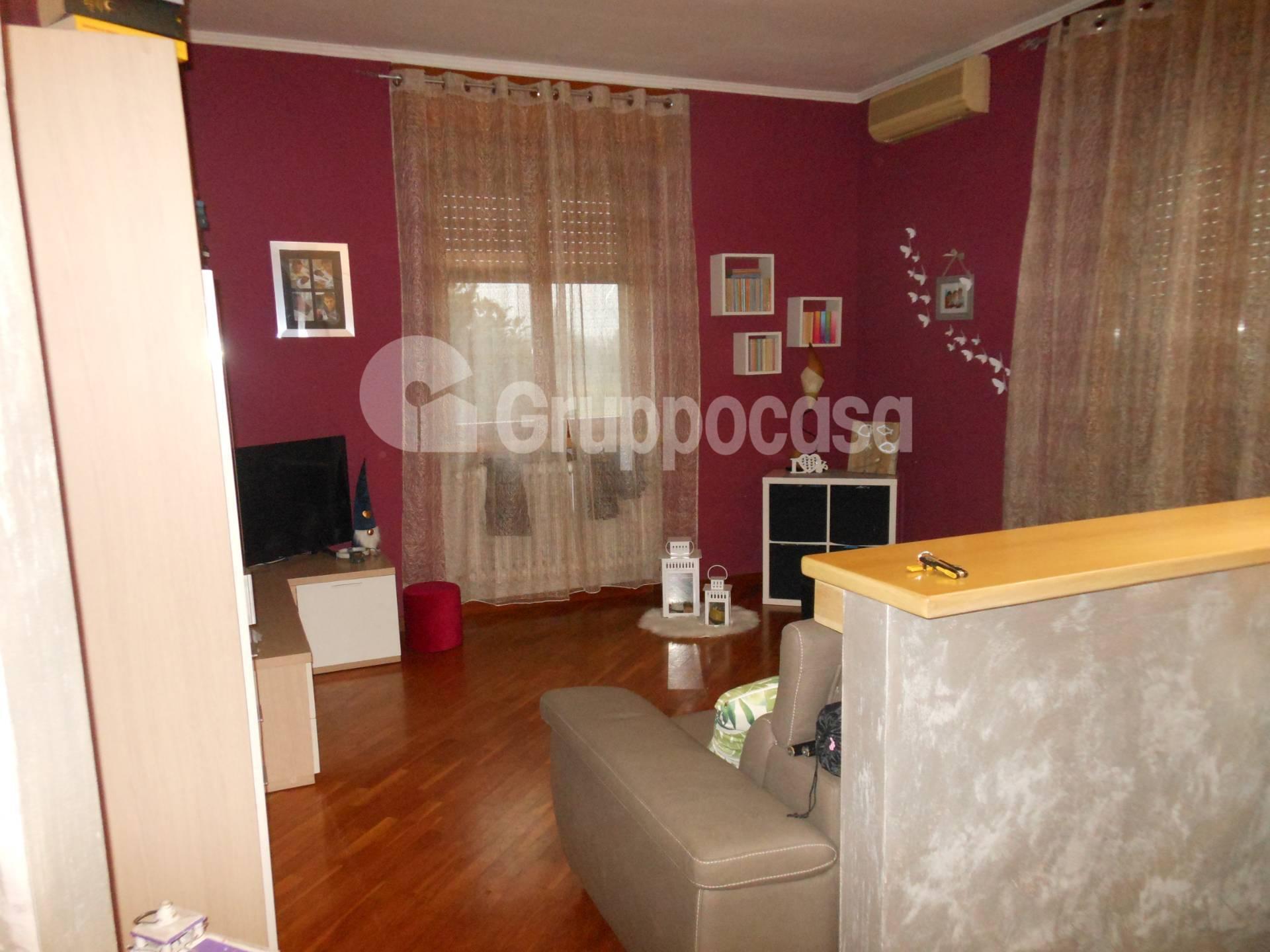 Appartamento in vendita a Magenta, 3 locali, prezzo € 120.000 | PortaleAgenzieImmobiliari.it