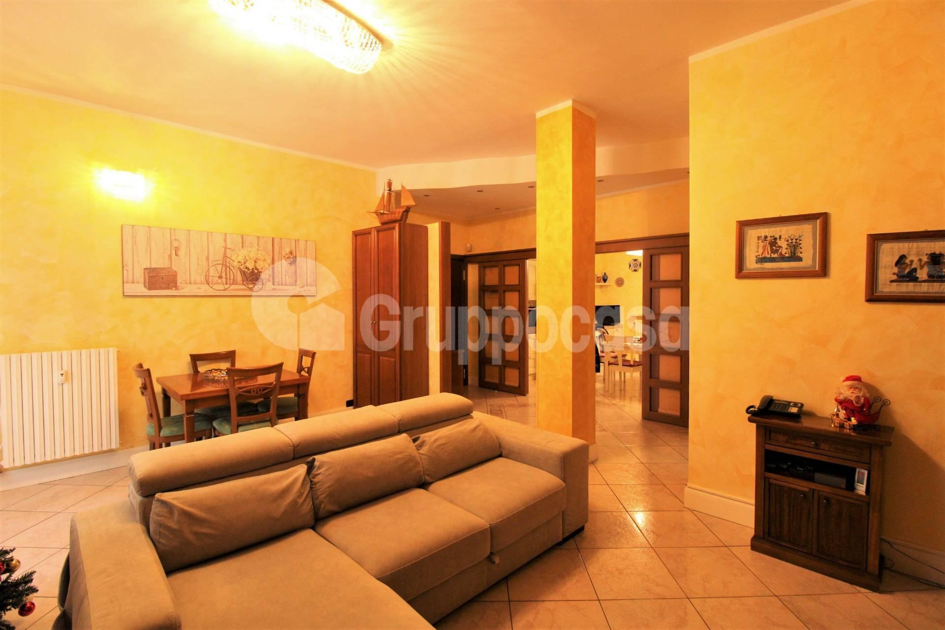 Appartamento in vendita a Arese, 4 locali, prezzo € 265.000 | CambioCasa.it